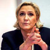 Le Pen hat das EU-Parlament verlassen