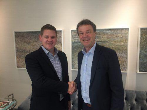 Len Engelbrecht, Boxmore (l.) und Günther Lehner, CEO Alpla.
