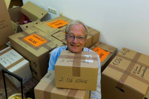 Mehr als einhundert Kartons haben Michael Diettrich und seine Mitarbeiter zusammengepackt. Foto: VN/Paulitsch