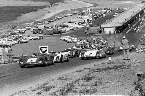 Österreich-Ring, 27. Juli 1969: Beim Eröffnungsrennen ist auch der Bludenzer Rudi Lins mit seinem Porsche 908 (mit der Nummer drei) mit von der Partie. Foto: Bildarchiv MAnfred Noger