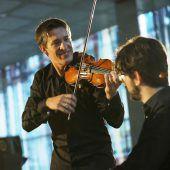 Der mit seiner Geige innig weint