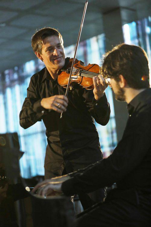 Pawel Zalejski, Konzertmeister des SOV und Primarius des Apollon Musagète Quartetts, mit dem Pianisten Matan Porat im KUB. Foto: BF/Köhler
