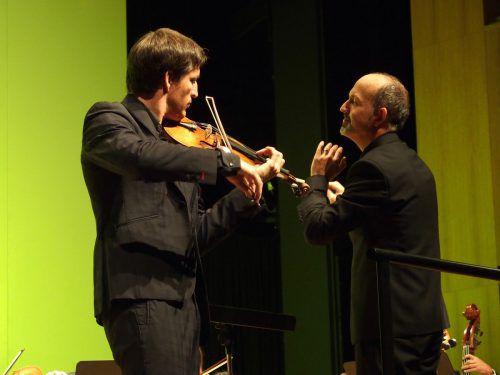 Pawel Zalejski mit dem Dirigenten Benjamin Lack. Foto: Jurmann