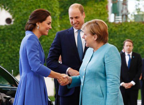 Prinz William und seine Frau Kate haben zum Auftakt ihrer Deutschlandreise Bundeskanzlerin Angela Merkel im Kanzleramt getroffen. Fotos: apa