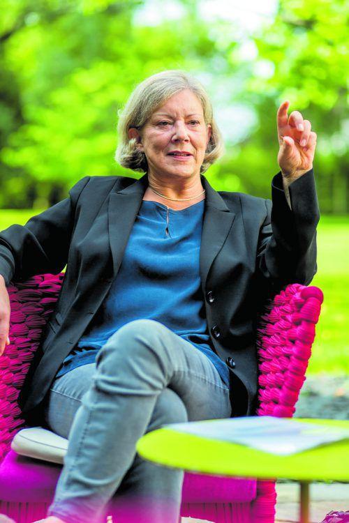 Sprickler-Falschlunger spricht im Restaurant Guth in Lauterach über die falsche Beratung im U-Ausschuss.Fotos: VN/Paulitsch