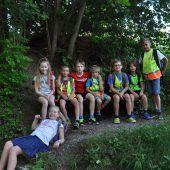 Volksschüler erleben den Gang in Hittisau