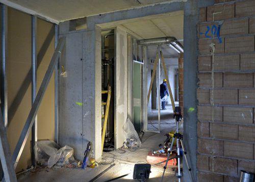 Vorsicht Baustelle: Im ersten Halbjahr meldeten acht Bau- bzw. Baunebengewerbe-Firmen in Vorarlberg Insolvenz an. Foto:APA