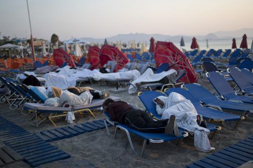 Vorsichtshalber übernachteten am Wochenende viele im Freien. Foto: AP