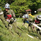 Feuerwehren messen sich im steilen Gelände