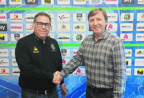 Arbeitsbeginn in Lustenau: Präsident Herbert Oberscheider begrüßt Albert Malgin (r.) als neuen Sportdirektor.Foto: ehc