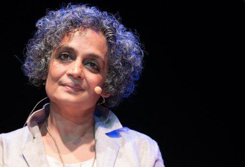 """Arundhati Roy ist mit ihrem neuen Roman """"Das Ministerium des äußersten Glücks"""" zurück und erzählt von unkonventionellem Glück. Foto: AP"""