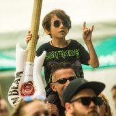 """<p class=""""caption"""">Auch kleine Hard-Rock-Fans kam auf ihre Kosten.</p>"""