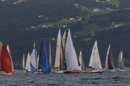 Auf dem Bodensee gibt es noch Platz für Boote, in den Vorarlberger Häfen nicht mehr. Foto: VN/Paulitsch