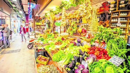 Auf dem Zentralmarkt in Florenz gibt es so gut wie alle Lebensmittel zu kaufen.Fotos: shutterstock