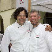 "<p class=""caption"">Brandner Kochprofis: Miguel Domingo (l.) und Boban Jovic.</p>"