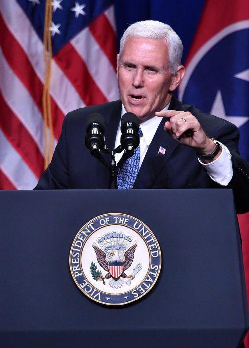 Bringt sich angeblich in Stellung: Trumps Vize Mike Pence.AP