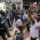 Tote und Verletzte nach Rassisten-Demo in USA
