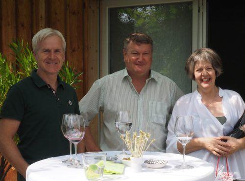 Christoph Ganahl, Johannes Helfer und Gastgeberin Monika Sandholzer.
