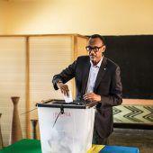 Paul Kagame geht als Favorit in die Wahl