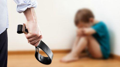 Der Beschuldigte wählte eine besonders schmerzhafte Strafe für seine Kinder.