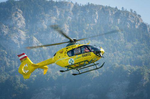 Der Bub wurde vom Hubschrauber C8 ins Spital geflogen. Foto: VN
