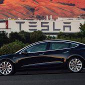 Tesla holt sich frisches Geld