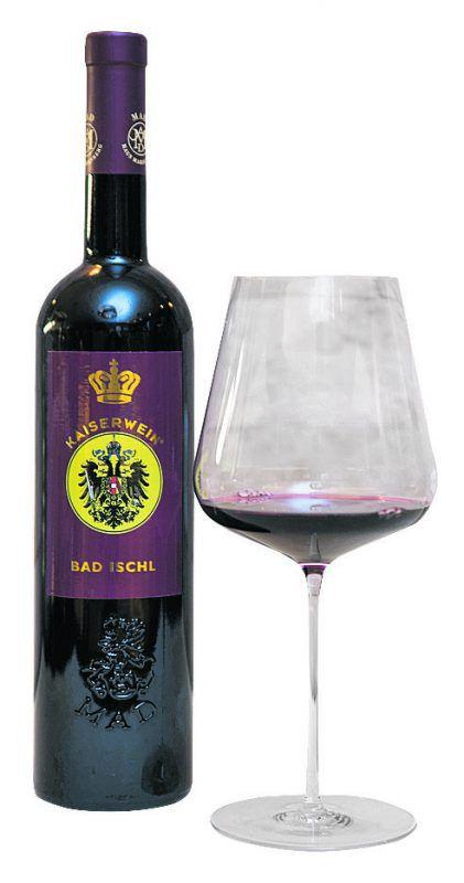 Der Kaiserwein zeigt sich in leuchtendem Rubin.Foto: B. Rhomberg