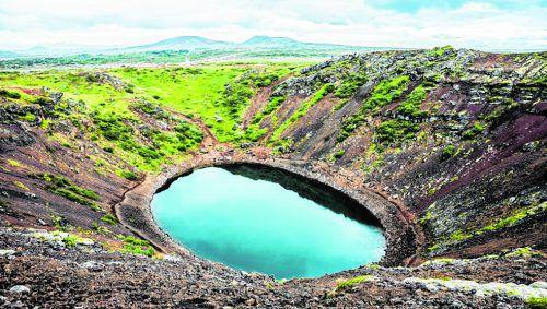 """Der Kerið ist ein Kratersee entlang des """"Golden Circle"""""""
