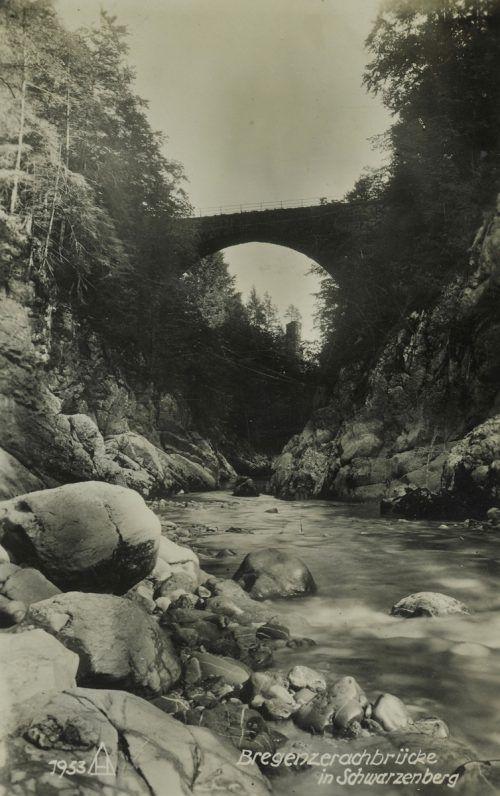 Die alte Steinbrücke, die sich heute unterhalb der neuen Bogenbrücke befindet. Helmut Klapper, sammlung Risch-Lau, Vorarlberger Landesbibliothek