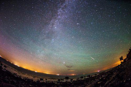 Wenn die Erde die Staubspur des Kometen 109P/Swift-Tuttle kreuzt, dann regnet es bei uns Sternschnuppen.dpa
