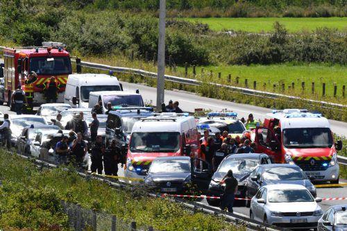 Die Polizei spürte den mutmaßlichen Fahrzeuglenker auf einer Autobahn in Nordfrankreich auf. Foto:AFP