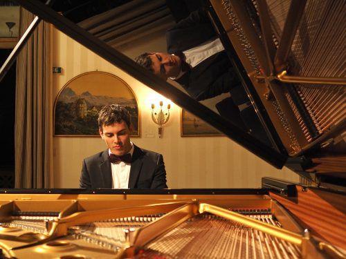Ein letzter Höhepunkt des Konzerts von Aaron Pilsan waren die 12 Etüden op. 25 von Frédéric Chopin. Foto: Voith