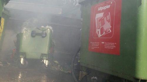 Einer der Papiercontainer, die im vergangenen März in Bregenz in Brand gesteckt wurden. Foto: Feuerwehr Bregenz Rieden