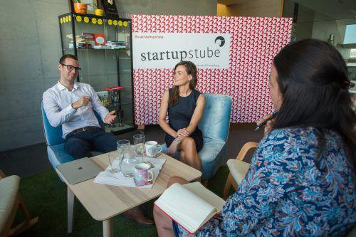 Einhorntasse ist Pflicht: Magdalena Meusburger und Thomas Metzler in ihrer startupstube. Foto: VN/Steurer