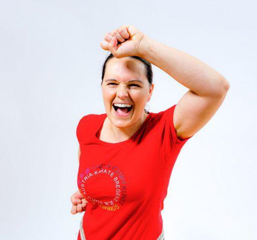 Eva Kathrein ist ein humorvoller Mensch. Mit Entschiedenheit tritt sie aber gegen Gewalt und Ungleichbehandlung auf.Foto: Stefan Mayr