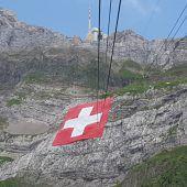 Größte Fahne ziert den Säntis