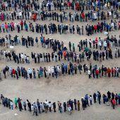 Millionen Kenianer gaben am Super-Wahltag ihre Stimme ab