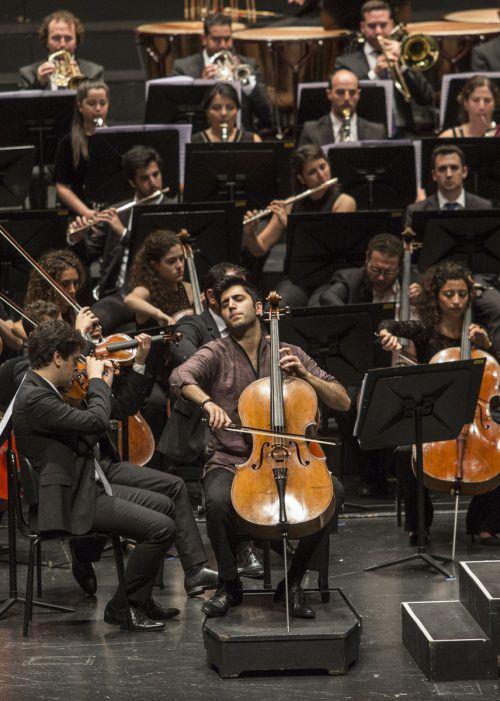 Cellist Kian Soltani beim jüngsten Konzert unter Daniel Barenboim im Rahmen der Salzburger Festspiele. Festspiele/Borelli
