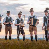 Volksmusikanten erobern das Montafon