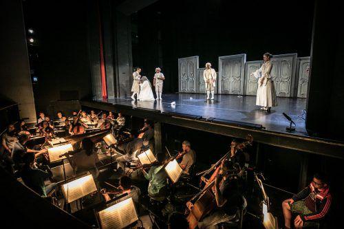 """Großauftritt für das Symphonieorchester Vorarlberg: Zuerst der """"Figaro"""" (Bild), dann eine Uraufführung und dann noch ein Konzert. Foto: Sams"""