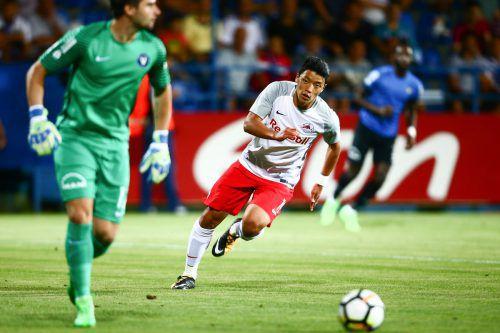 Hee-chan Hwang leitete mit seinem frühen Treffer (2.) den 3:1-Sieg von RB Salzburg bei Viitorul Constanta ein.Foto: gepa