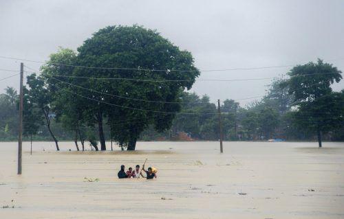 Heftige Regenfälle haben zu Überschwemmungen geführt. Zahlreiche Orte sind von der Außenwelt abgeschnitten.Foto: AP