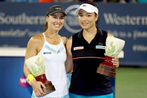 Martina Hingis und die Taiwanesin Chan Yung-Jan.Foto: AFP
