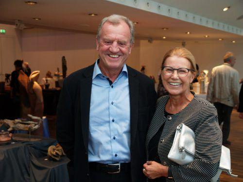 Modehausbetreiber Kurt Kräutler mit Mathilde.