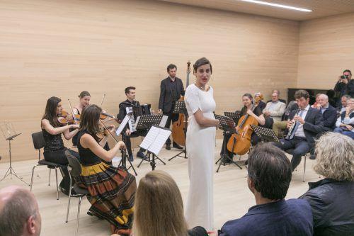 Natalia Sagmeister und Alex Ladstätter mit Musikerkollegen und der Mezzosopranistin Christina Bock. Foto: Sams