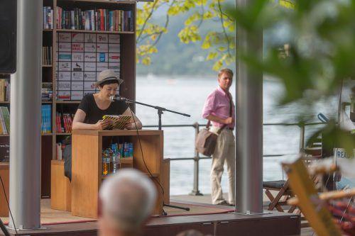 """Petra Piuk beim """"Stadtlesen"""" in Bregenz. Foto:VN/RP"""