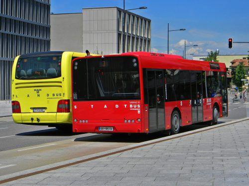 Surfen im Internet und E-Mails abrufen: Der Dornbirner Stadtbus bietet neu auch WLAN.Foto: Stadt Dornbirn