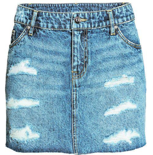 Used Look Kurzer Jeans-rock aus gewaschenem Denim. Gesehen bei H&M um 29,99 Euro.