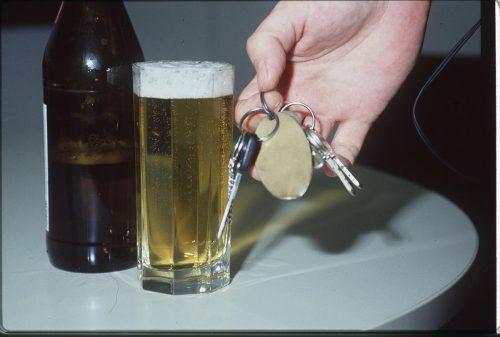 Wer einem offensichtlich Betrunkenen sein Auto leiht, läuft Gefahr, selbst mit dem Gesetz in Konflikt zu kommen.Foto: VN