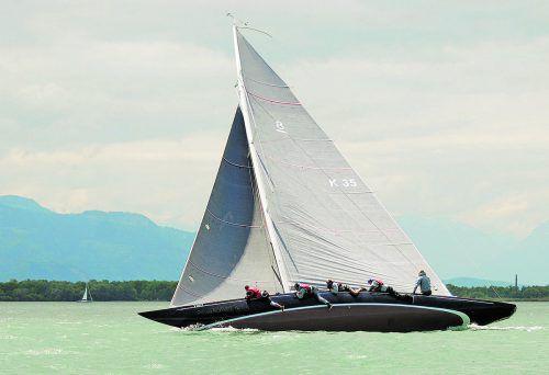Werner Deuring & Crew segeln mit der Pandora, die 1938 gebaut wurde, bei der 8mR-Weltmeisterschaft vor Hanko.Foto: verein